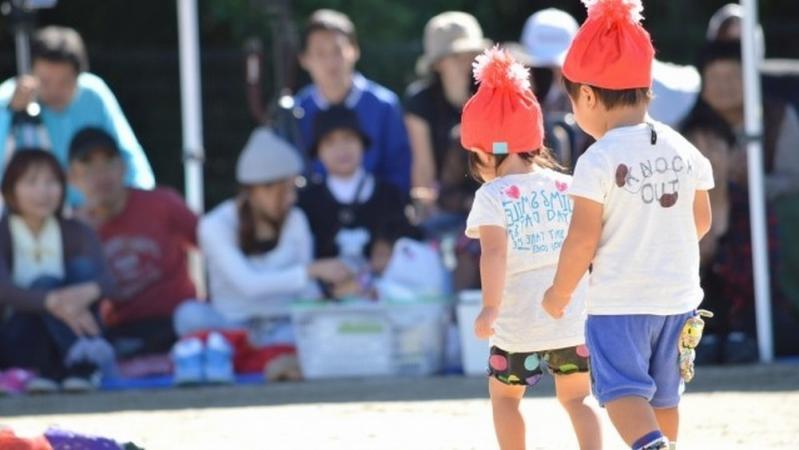 運動会に参加する園児