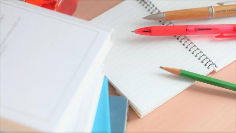 手帳とノートとペン