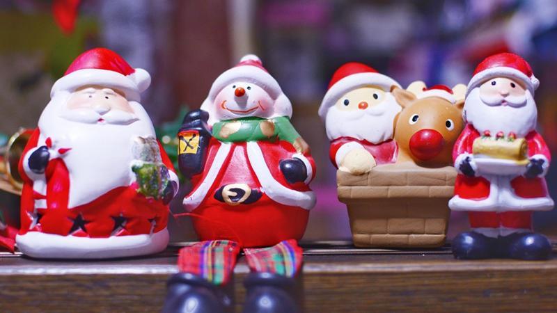 サンタクロースの人形たち