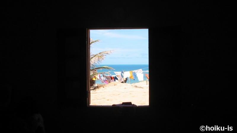 カノア保育園の窓から見える海
