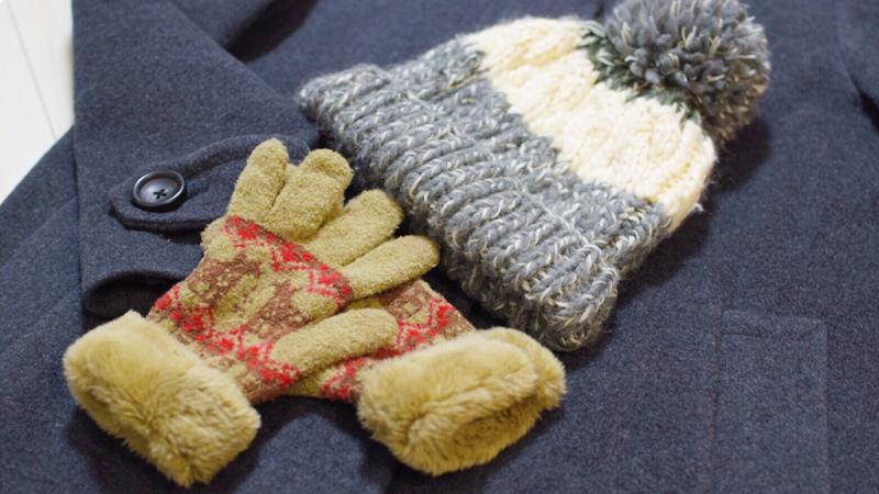 毛糸の帽子と手袋